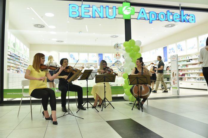 Nastup na otvaranju BENU apoteke u Merkatoru